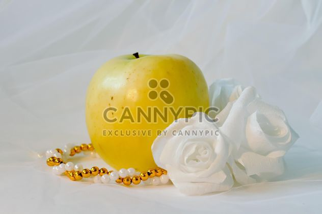 Apple, white roses and beads - Free image #337823