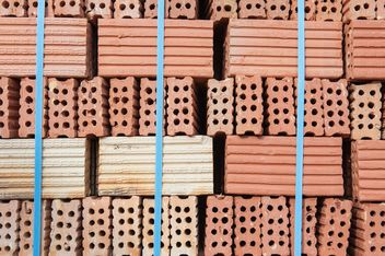 Pile of red bricks - image gratuit #338253
