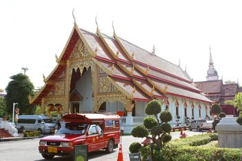 Thai temple in Chiangmai, Thailand - бесплатный image #346293