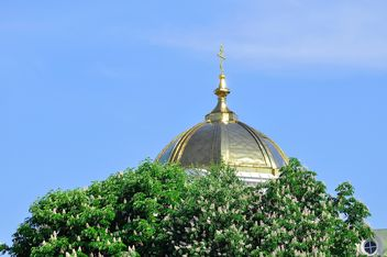 Dome of church against clear blue sky - бесплатный image #346623