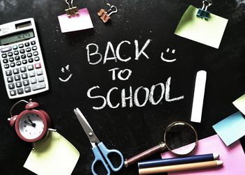 Back to school write on blackboard - image gratuit #373543