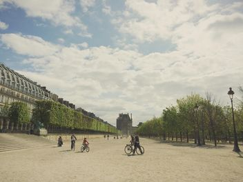 Cycling in Paris - image gratuit #439273
