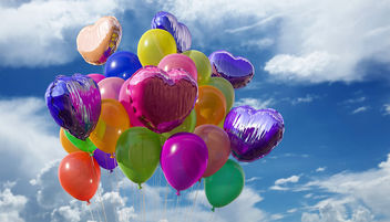 Colorful heart balloons - image #448883 gratis