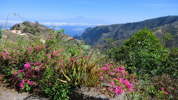 La Gomera (Spain's Canary Islands) - Gomera's east coast region - in the back the island of Teneriffe and Pico del Teide - image #449803 gratis