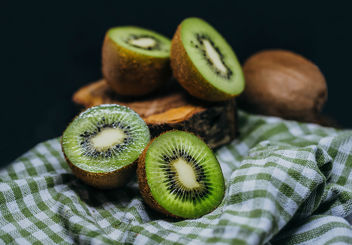 Fresh Pieces Of Kiwi - image #450333 gratis