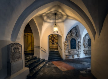 Cloister in the Franciscan Monastery in Graz - image #452123 gratis