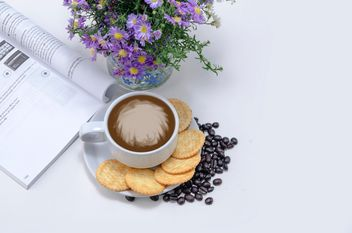 Coffee with crackers, flowers and book - image gratuit #452443