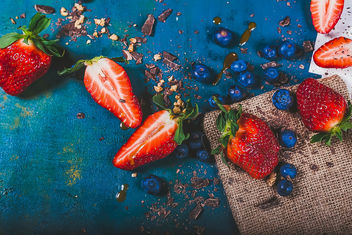 Strawberries And Blueberries.jpg - Kostenloses image #460273