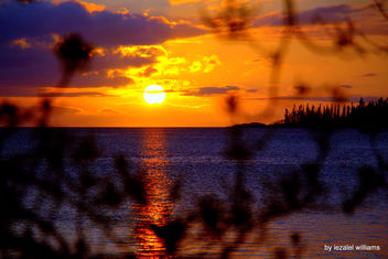 Sunset by iezalel williams - Isle of Pines in New Caledonia - IMG_2383-004 - Canon EOS 700D - image #462373 gratis