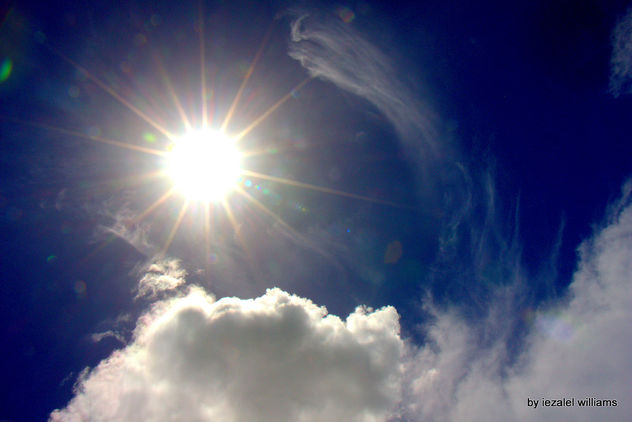 Photons speed - Skyscape Sun and cloud by iezalel williams IMG_1787 - Canon EOS 700D - image #462993 gratis