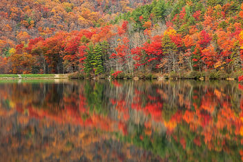Autumn Reflections - Sherando Lake - image #464333 gratis