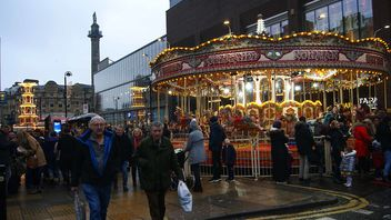 Carousel at Christmas - image #465983 gratis
