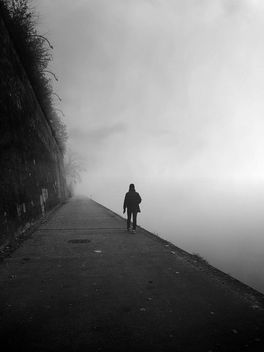 Alone in the fog - Kostenloses image #466293