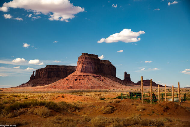 Outside Monument Valley - image #473273 gratis